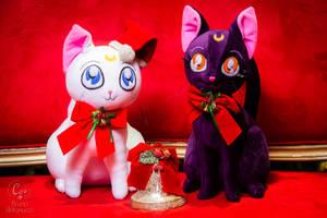 Artemis and Luna plushies - Christmas Time!