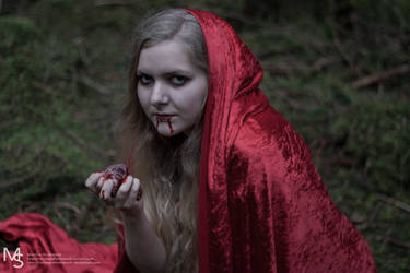 Red Riding Hood by OnlyHereForFreeWifi