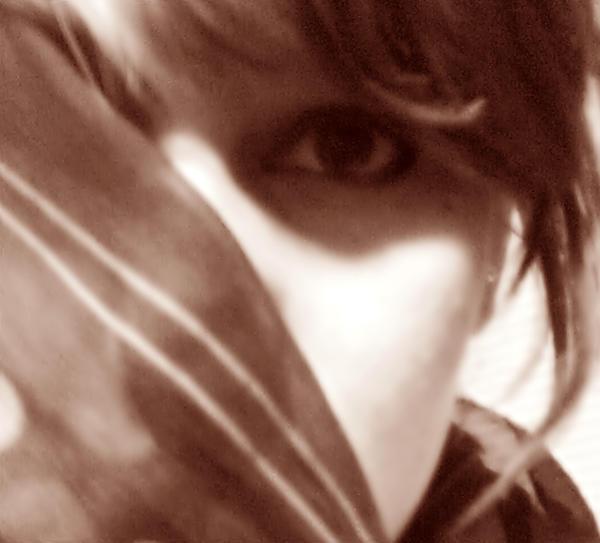 Sve u Braon boji - Page 2 Eyes_of_a_stranger_by_HellIsWaitingForYou