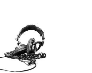 Stereophonic 1280x1024 by xXbleedingXredsoulXx