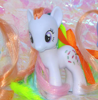 G4 FIM Custom G1 Pony Confetti