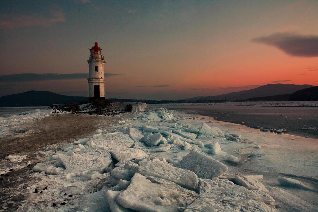 beacon. Amur Bay by kiritani-akira