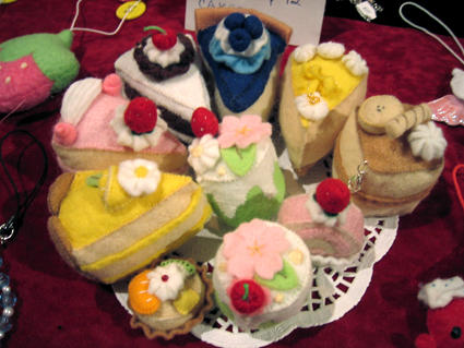 Cake plushies by apple-pai