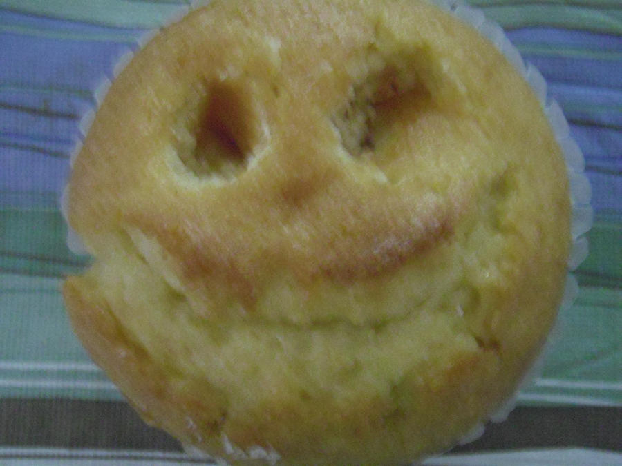 corn bread muffin with a smile by A8T