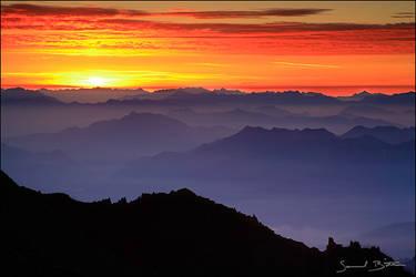 Sunrise over Italian Alps by samuelbitton