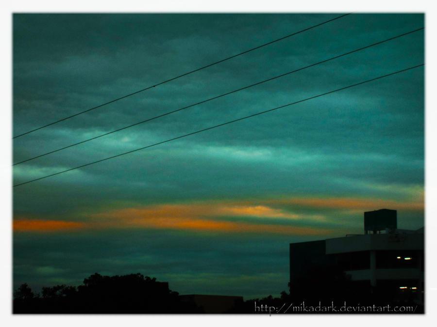 Sky bitonos by MikaDark