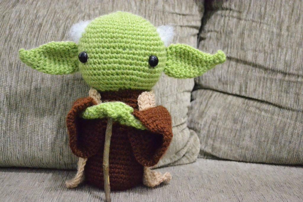 Amigurumi Chibi Yoda by gengibrecroche on DeviantArt