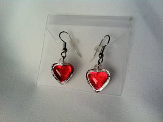 Heart Container Earrings by akuriko