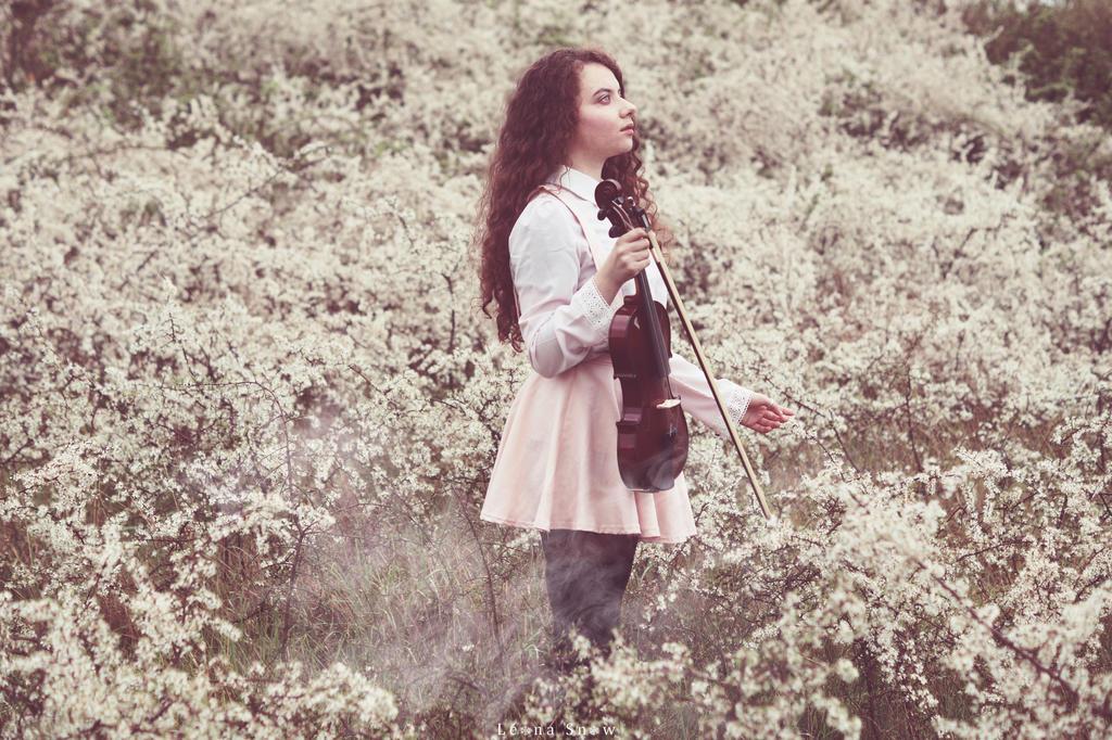 Muse doree by Leona-Snow