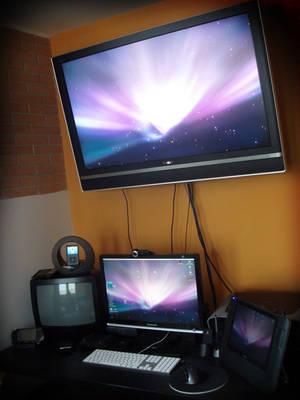 my desk by mezzocielo
