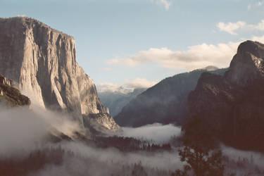 Yosemite Valley by koba54