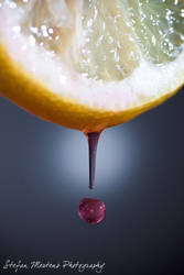 Bleeding Lemon by cRomoZone