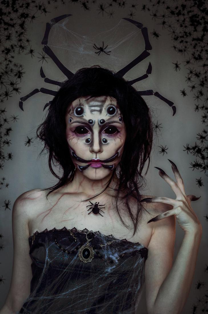 Queen of Spiders makeup by Helen-Stifler