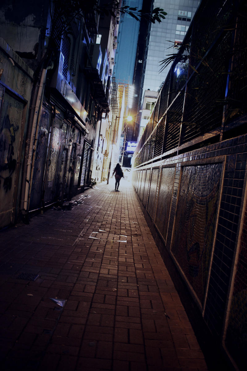 in the alleys of hongkong by Dominique-Violoniste