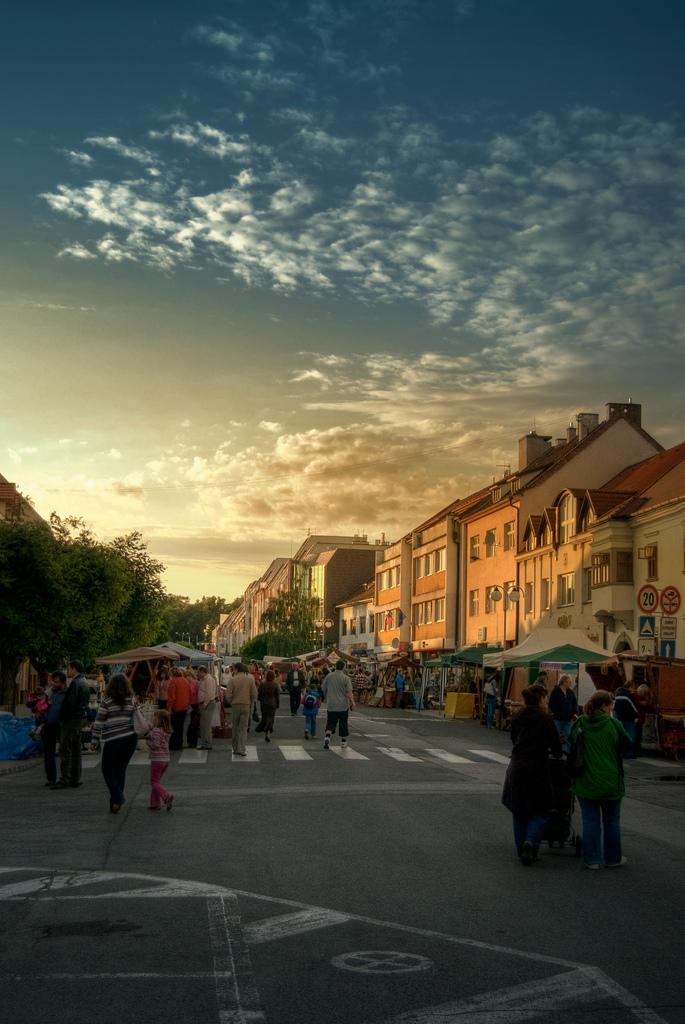 keramicke trhy, piatok, pezino by marmar