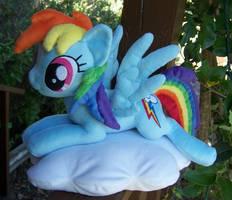 Rainbow Dash by Helgafuggly