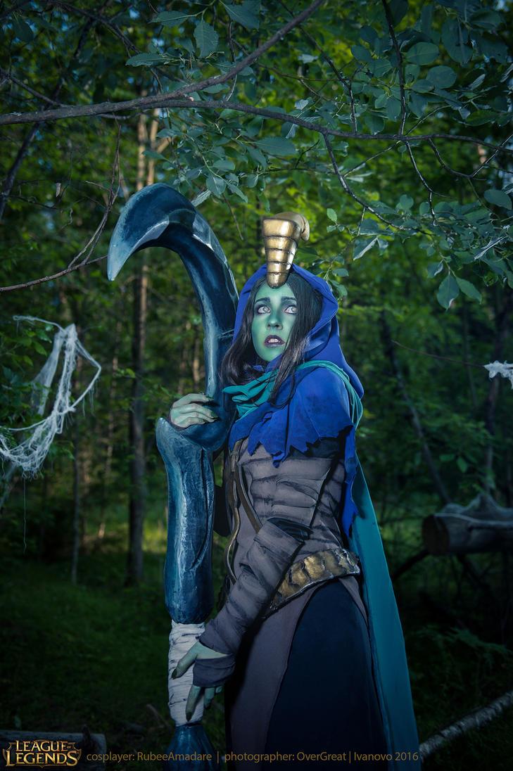 League of Legends - Reaper Soraka cosplay by RubeeAmadare