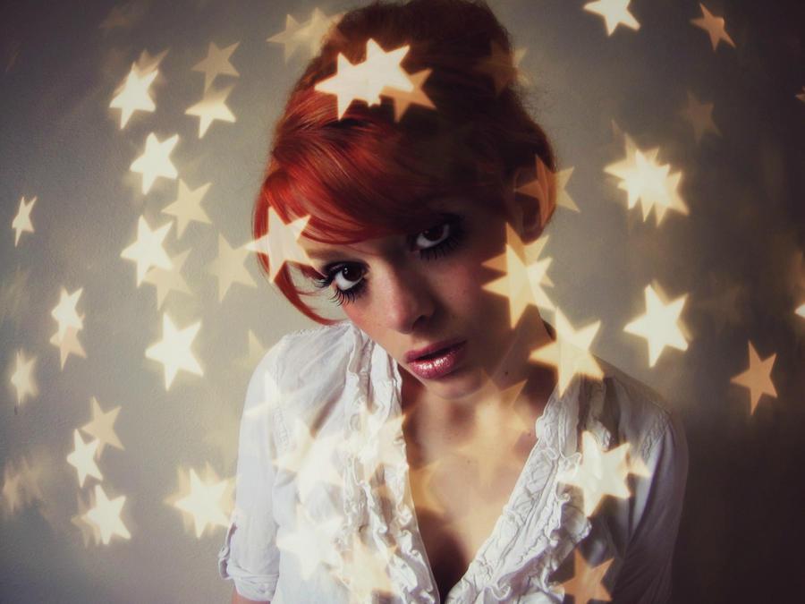 Star Burst Red by Reilune