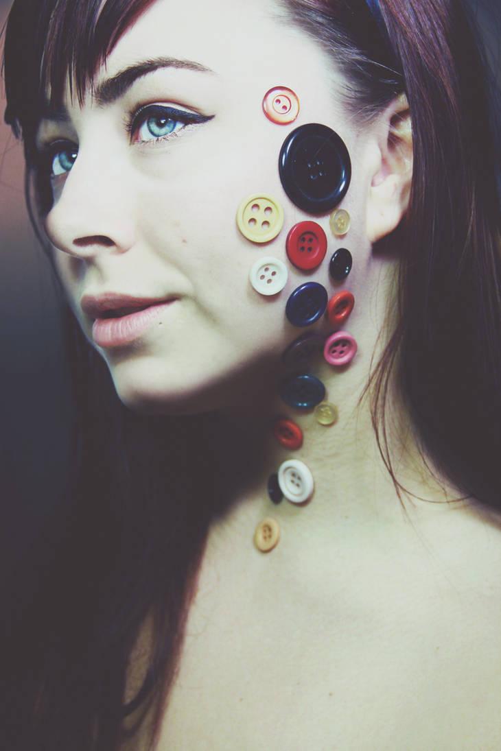 anna buttons I