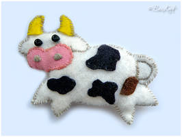 Cute Cow Plushie by BaziKotek