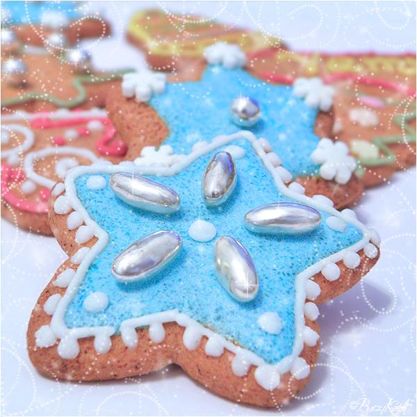 Christmas Cookies by BaziKotek