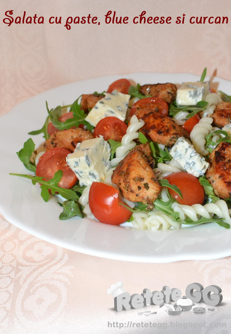 Pasta, turkey and blue cheese salad by DanutzaP
