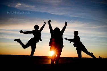 The Sunrise Crew by Jayelless