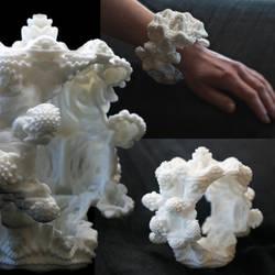 Mandelbulb Bracelet #1 -3D printed fractal jewelry by MANDELWERK