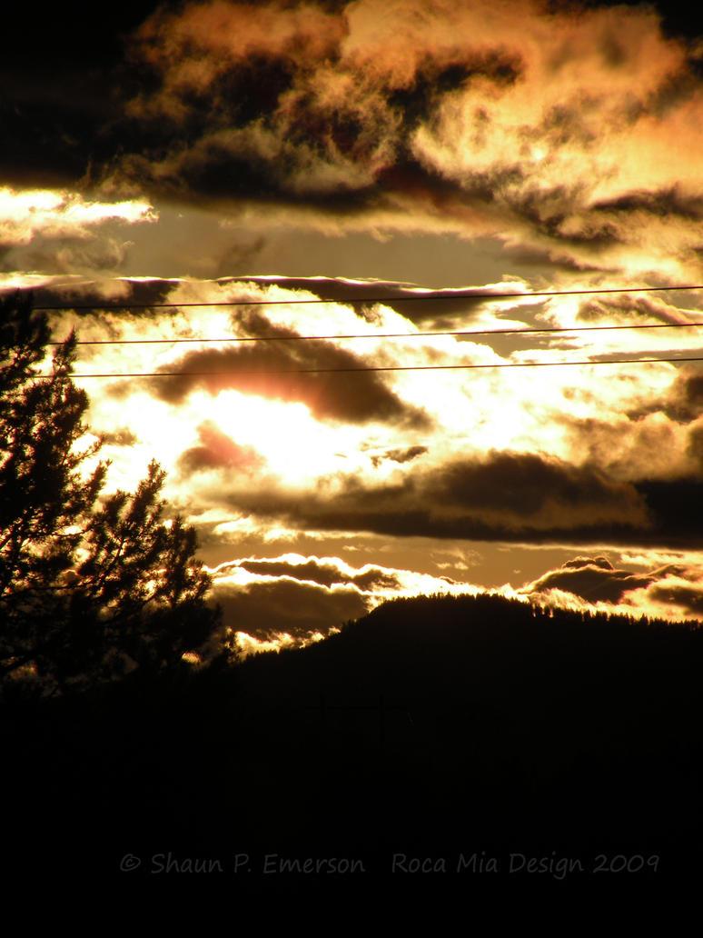 Sepia Sky by Dreamz-of-Twilight