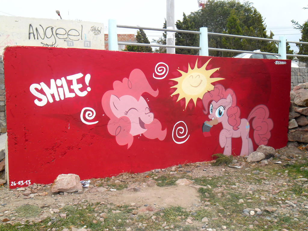 Smile - Pinkie Pie Graffiti by ShinodaGE