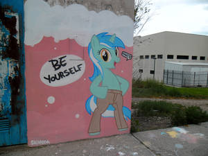 Be Yourself - Lyra Graffiti