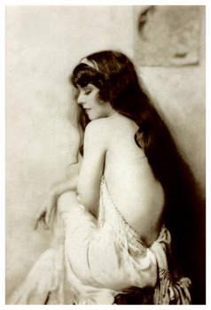 Lrg Scanned Vintage Nude 3