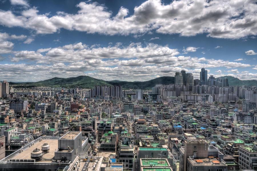 Cloudy Seoul by LOKA84
