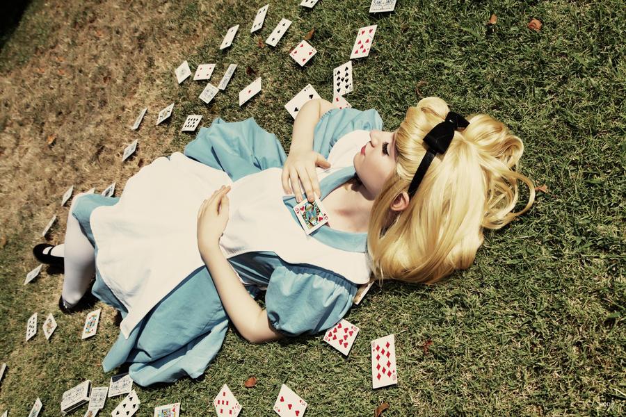 Alice in Wonderland by nyssasam