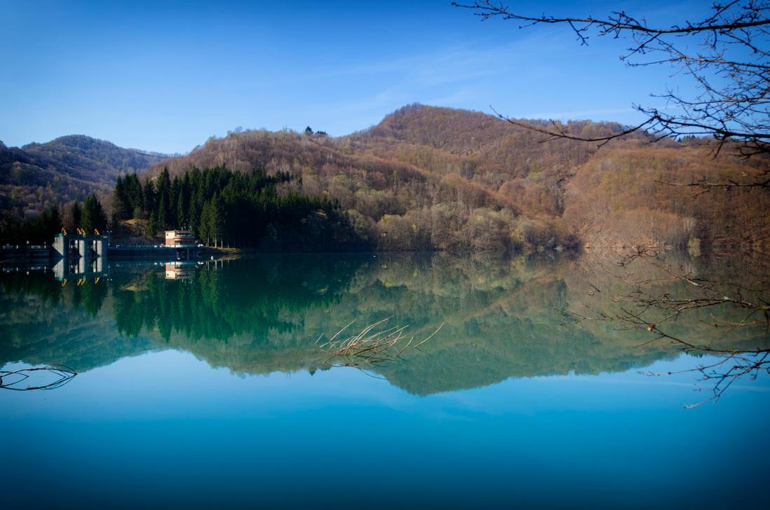 Lago del brugneto genova italia by balto68 on deviantart for Lago store genova