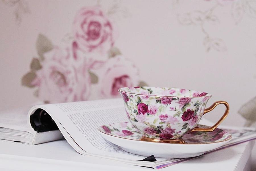 najromanticnija soljica za kafu...caj - Page 5 Cup_of_tea__by_maybenotxo-d2zddss
