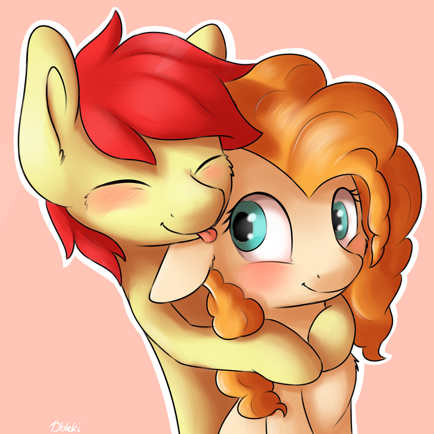 pear_butt_and_bright_mac_by_dbleki-dbkac