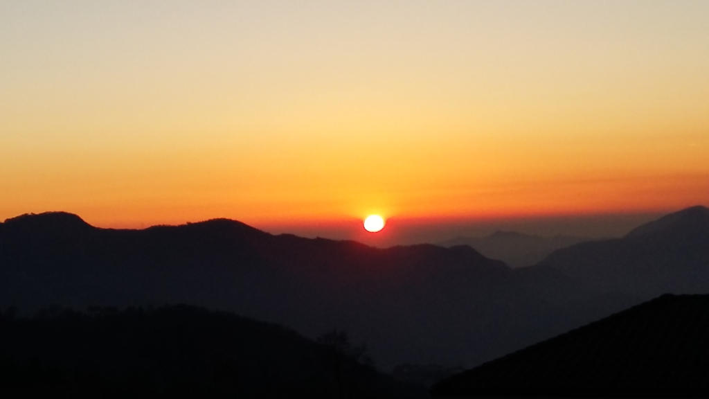 Last sun of the beginning by wakuwalt7