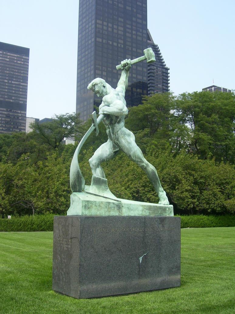 Statue by Evgeniy Vuchetich by jhansard
