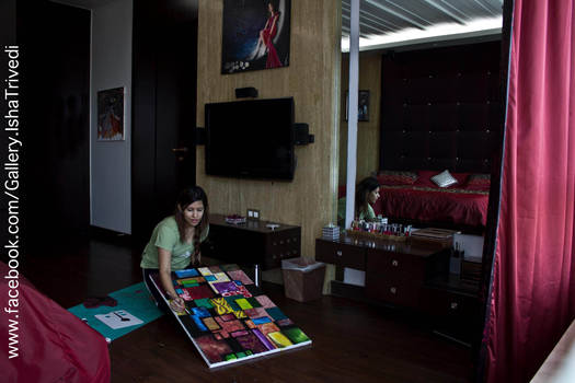 Painting OM IN DIFFERENT LANGUAGES : Isha Trivedi