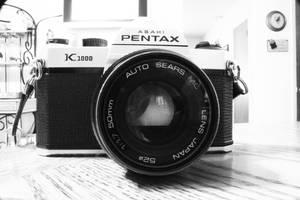 Pentax K1000 by deathbringer123