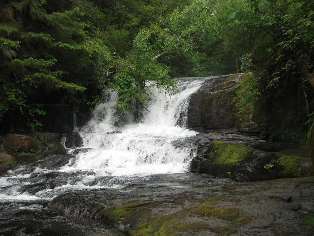 Big Falls by silent-scenes
