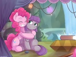 Pinkie Huggg