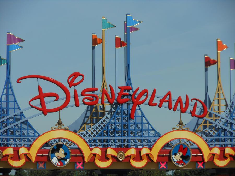 Disneyland paris by babydoll23