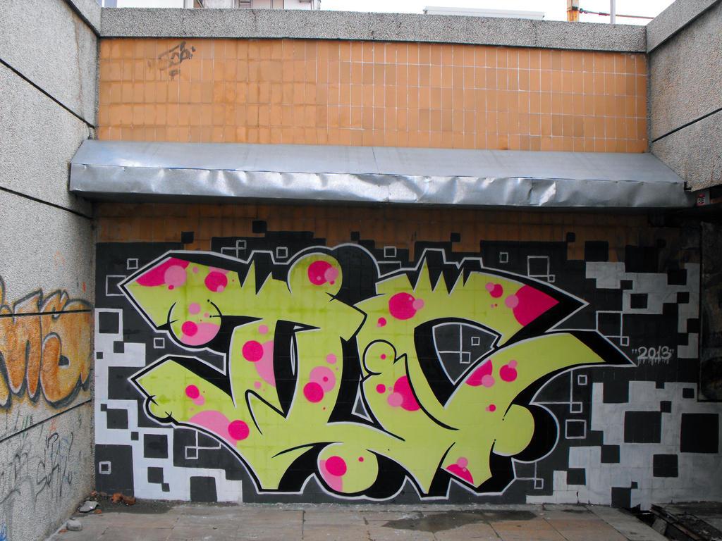 Sa by TLCreW