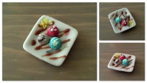 Miniature icecream plate by Sandien