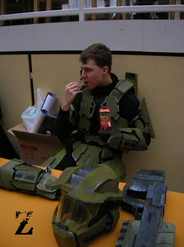 Master Chief: eating POCKY xD by Dark--Halo