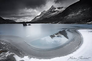 Muande Lake by XavierJamonet