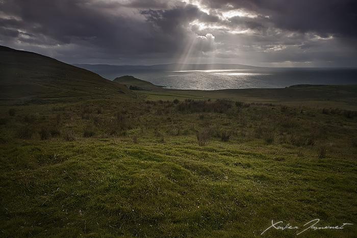 Camusmore light by XavierJamonet