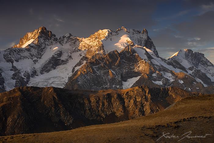 Light over the Meije by XavierJamonet